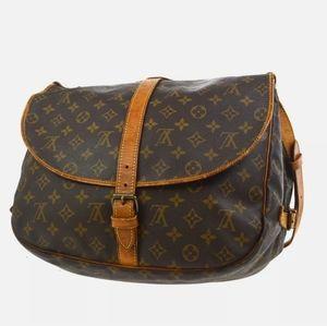 5️⃣0️⃣0️⃣ Louis Vuitton Saumur 35  Shoulder Bag